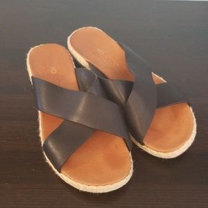 Tommy Bahama relaxology sandals